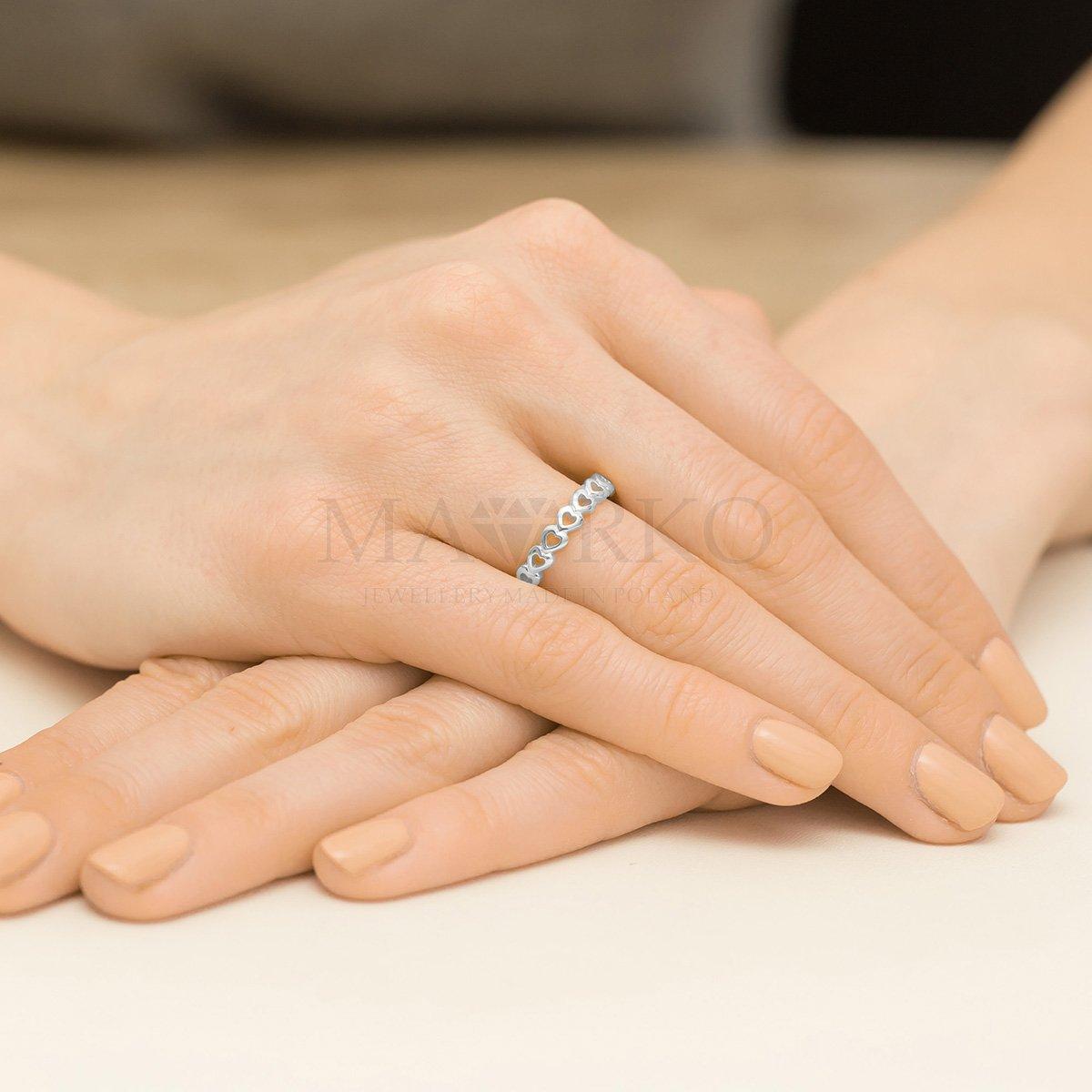 srebrny pierścionek klasyczny